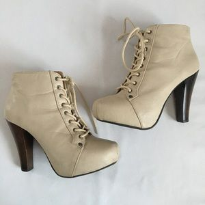 Woman's Charlotte Russe High Heel Ankle Boots, Sz8